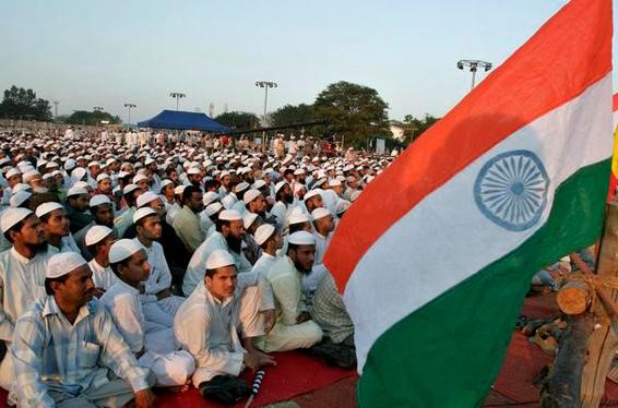 Let-every-Muslim-glitzy-celebration-of-freedom-houses-Fhraan-tricolor-Darul-Uloom